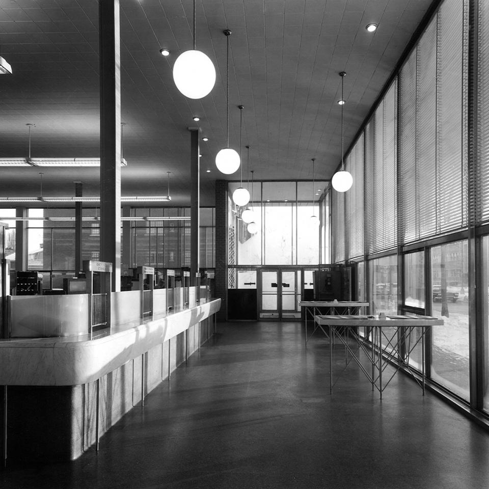 Bureau de poste Ville Mont-Royal <br>1955